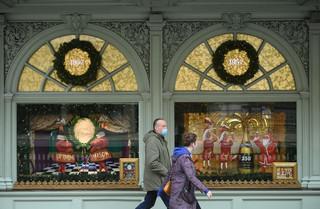 Koronawirus w Wielkiej Brytanii: Jest plan poluzowania restrykcji epidemicznych na okres Bożego Narodzenia