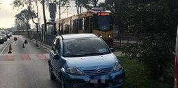 Wypadek na Dąbrowskiego. Nastolatka potrącona na przejściu