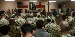 Ile zarabiają księża w wojsku? Pensja kapelana nie daje powodów do narzekań