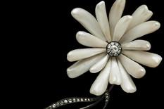 091a Tiffany chrysanthemum brooch american freshwater pearls PJM-JE-0655