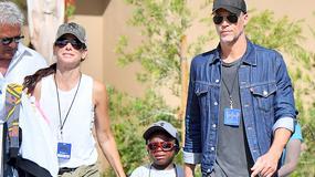 Sandra Bullock na spacerze z chłopakiem i dziećmi