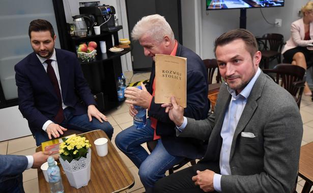 """Jaki podkreślił w sobotę na konferencji prasowej, że Piotr Guział to """"człowiek, który stworzył największy ruch miejski, największy ruch społeczny w Warszawie""""."""