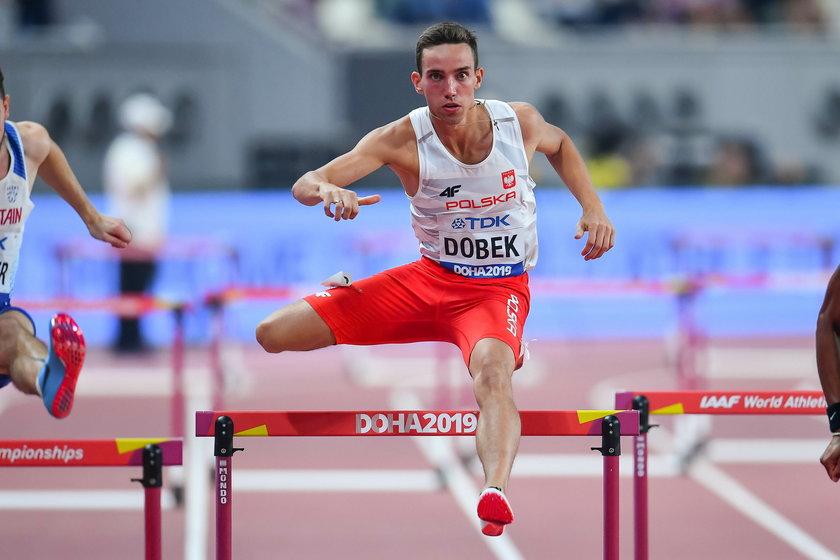 W pierwszym swoim starcie na otwartym stadionie, kilka dni temu w Ostrawie, płotkarz ustanowił życiówkę na 800 m bardzo dobrym wynikiem 1:45.88.
