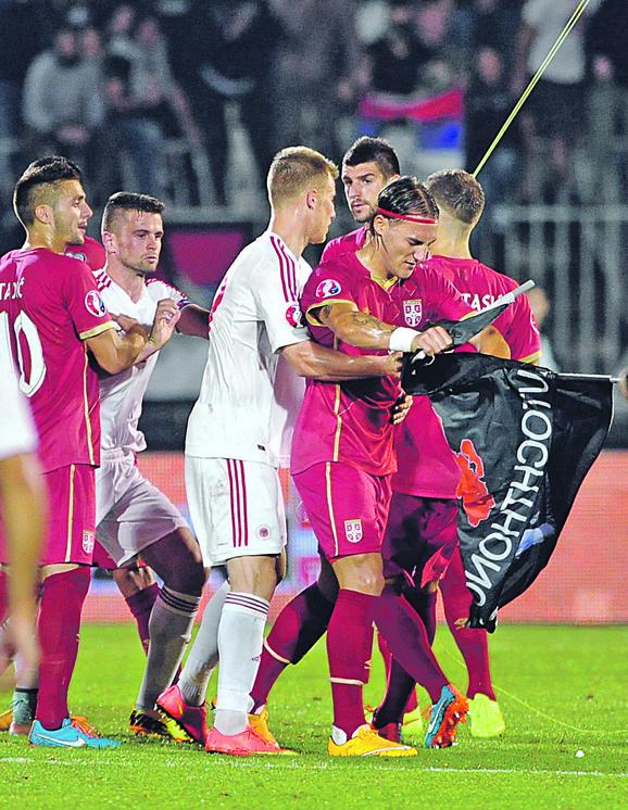 Sukob srpskih i albanskih fudbalera zbog sporne zastave koju je dron doneo na stadion Partizana