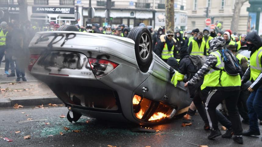Znalezione obrazy dla zapytania protesty we francji