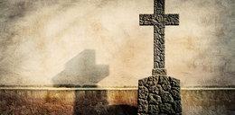 20-latek załatwił się na przykościelny krzyż. Grozi mu więzienie