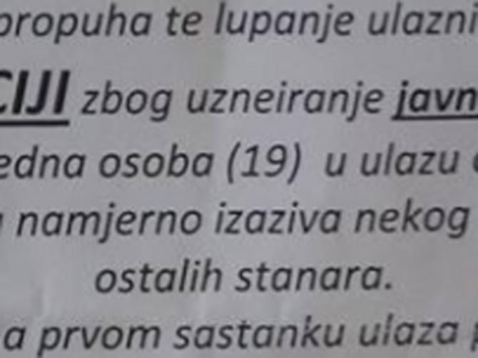 """Zalepio je upozorenje komšijama iz zgrade i OSTAVIO IH U ŠOKU: """"Narušio je ugled komšinici (19), OVO JE ZA POLICIJU"""""""