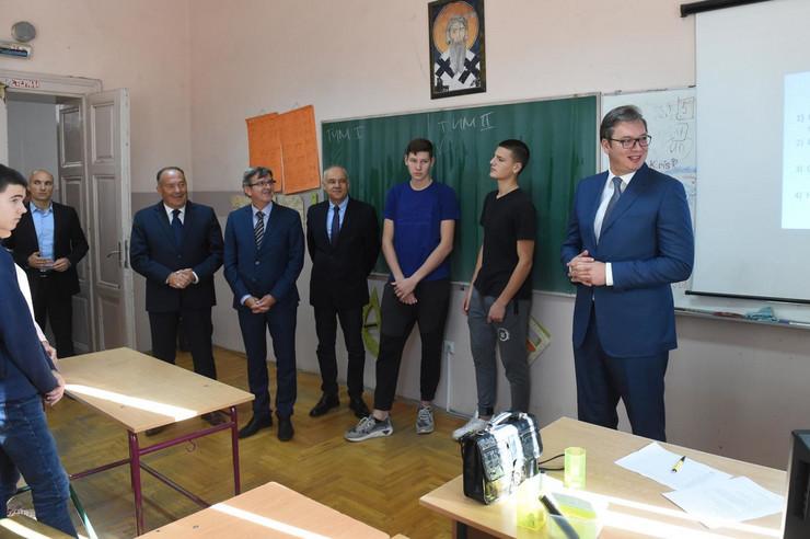 Aleksandar Vučić, Mladen Šarčević, Zemunska gimnazija