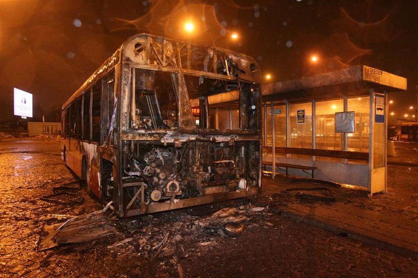Warszawskie autobusy  w płomieniach