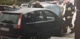 Pijany kierowca o mało nie rozjechał matki z córką. Groza na Bielanach