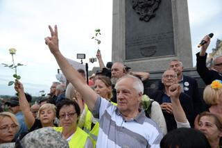 Obchody miesięcznicy smoleńskiej: 44 wnioski policji do sądu po manifestacjach