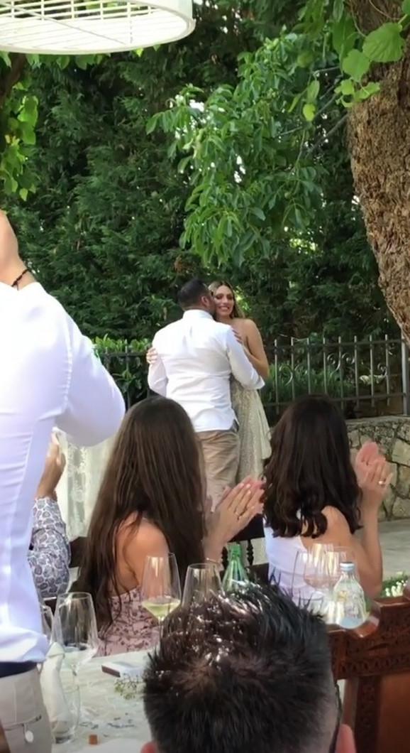 Venčanje Aninog bivšeg dečka Karla