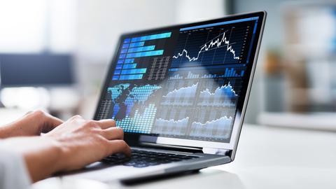 Свечные модели на биржевых графиках или на валютном рынке отражают поведение инвесторов. Они используются для прогнозирования направлений тенденций. Ключевая информация для интерпретатора - какой тренд предшествует возникновению данного свечного паттерна.