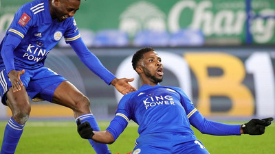 """""""I need that soap ooo"""", Wilfred Ndidi asks Kelechi Iheanacho for the secret behind his goalscoring form"""