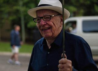 Udziałowcy znowu wezwali Murdocha do ustąpienia