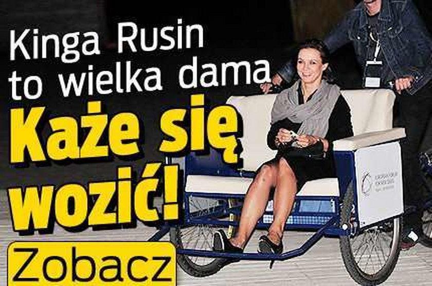 Kinga Rusin to wielka dama. Każe się wozić! Zobacz