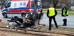 """""""Szczątki samochodu były wszędzie, ciała zmasakrowane"""". Wstrząsające relacje świadków makabrycznego wypadku w Warszawie"""