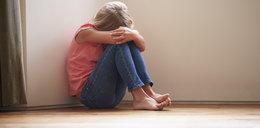 Matka znęcała się nad 11-letnią córką. Przyduszała ją kablem, więziła na balkonie