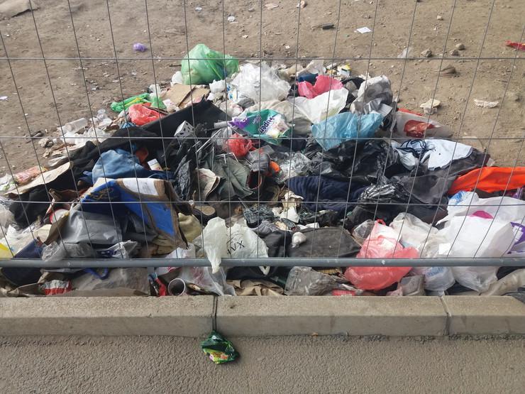 Smeće đubre parking buvljak Beograd