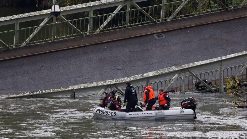 Zawalenie się mostu we Francji