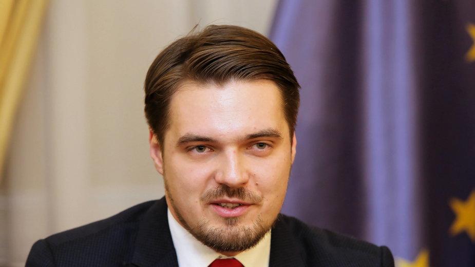 Maksymowicz oskarżony ws. badań. Wypij: stoimy murem za profesorem