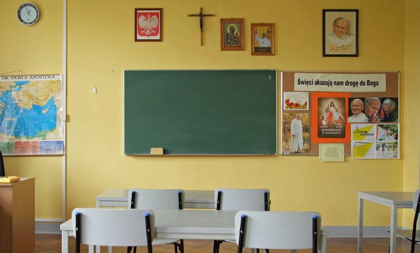 Licealiści w Kielcach masowo rezygnują z lekcji religii