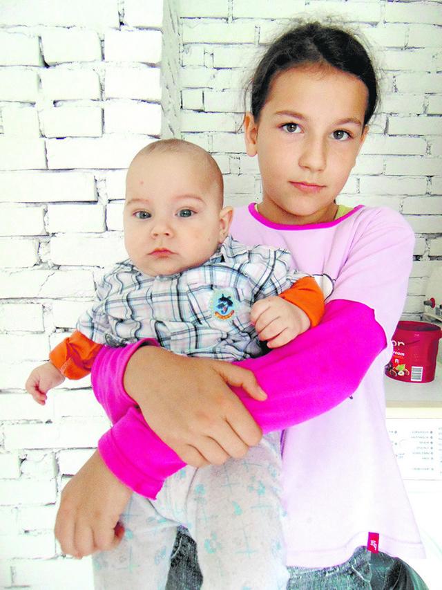 Iva pomaže mami i brine se o šestomesečnom Voinu