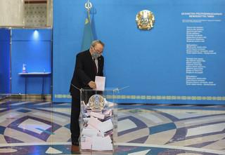 Wybory w Kazachstanie: Wygrała partia byłego prezydenta Nazarbajewa [EXIT POLL]