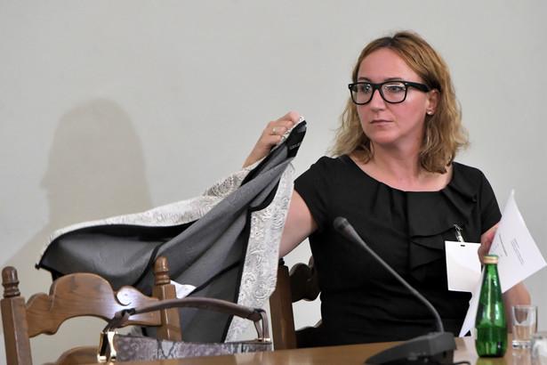 Była dyrektor Departamentu Produktów Amber Gold Sp. z o.o. Małgorzata Kin-Kaczmarek podczas przesłuchania przez sejmową komisję śledczą ds. Amber Gold.