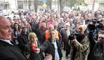 PROTEST RADNIKA ISPRED JAGODINSKE SKUPŠTINE Palma obećao da će posredovati kod Vulina