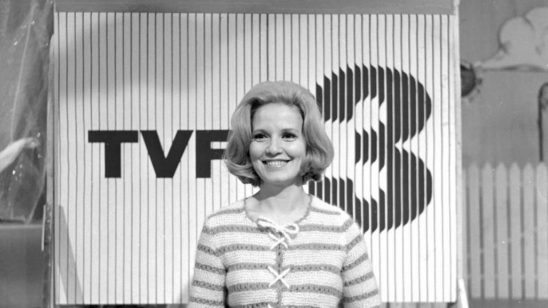 """Była spikerką TVP w latach 1957-1996. Współprowadziła programy rozrywkowe, m.in. popularny """"Wielokropek"""""""