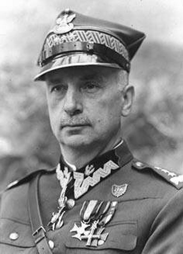 Kazimierz Sosnkowski (By UnknownUnknown author (CBN Polona) [Public domain or Public domain], via Wikimedia Commons)