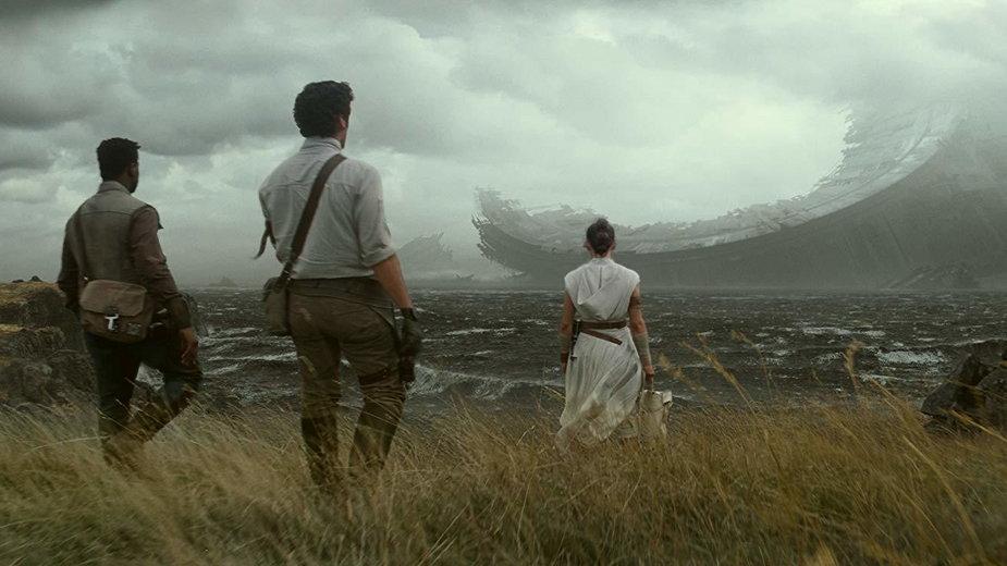 """John Boyega, Oscar Isaac i Daisy Ridley w filmie """"Gwiezdne Wojny: Skywalker. Odrodzenie"""""""