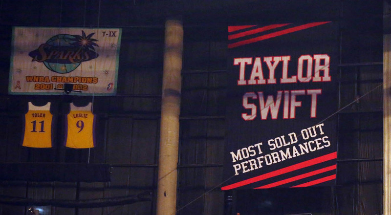 The Coyotes tried to troll the Kings by hanging the team's 'jinxed' Taylor Swift banner and instead, the Kings trolled right back