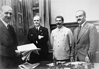 'Wiedomosti': W 1939 roku ZSRR był współuczestnikiem agresji wobec Polski