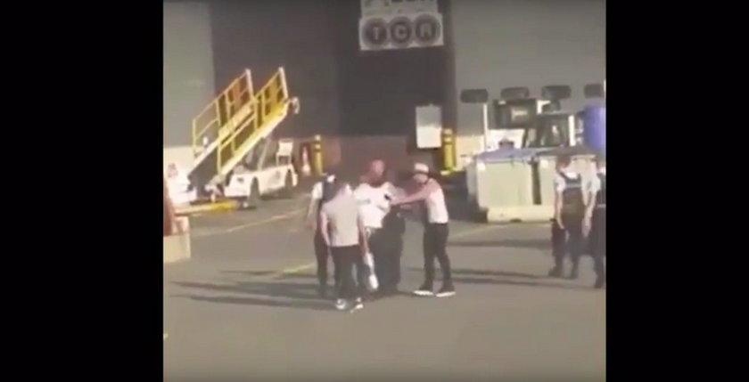 Awantura przeniosła się z samolotu na płytę lotniska w Bordeaux
