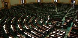 Sejm na wakacjach, a powodzianie czekają