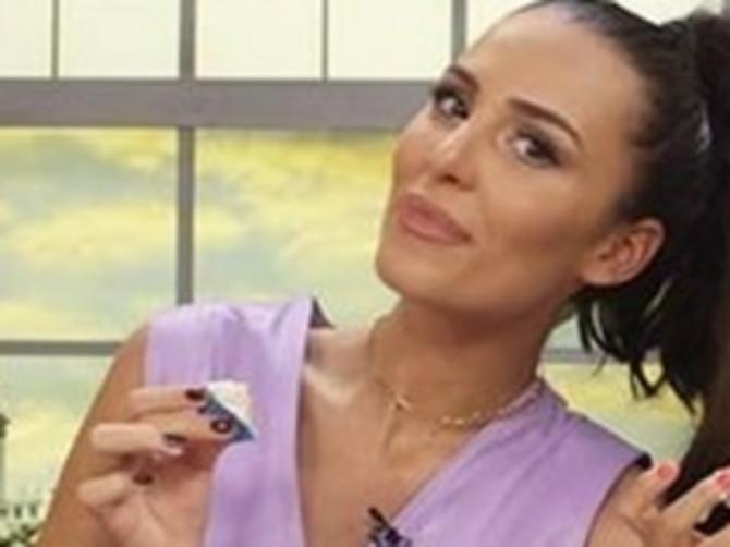 Anastasija otkrila recept za svoj omiljeni kolač OD TRI SASTOJKA: Izgleda PREUKUSNO, a tek njena haljina...