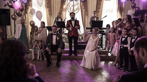 """Film """"Wesele"""" w reż. Wojciecha Smarzowskiego wszedł do kin 8 października 2021."""