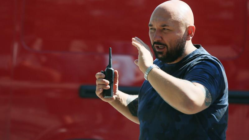 """Patryk Vega na planie filmu """"Pitbull. Nowe porządki"""""""