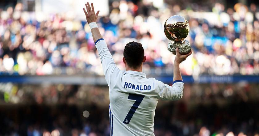 Cristiano Ronaldo w 2016 r. wygenerował większą wartość reklamową dla Nike'a niż Leo Messi dla Adidasa