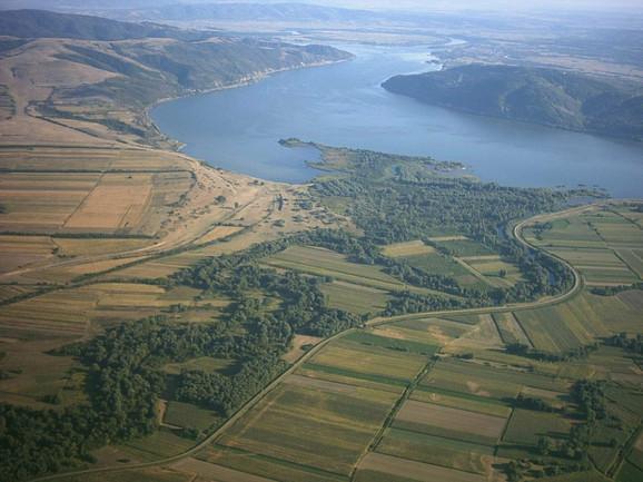 Dunav kroz Srbiju protiče dužinom od 588 kilometara