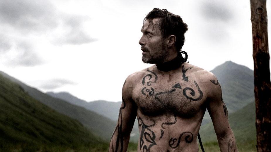 "Mads Mikkelsen w filmie ""Valhalla Rising"""