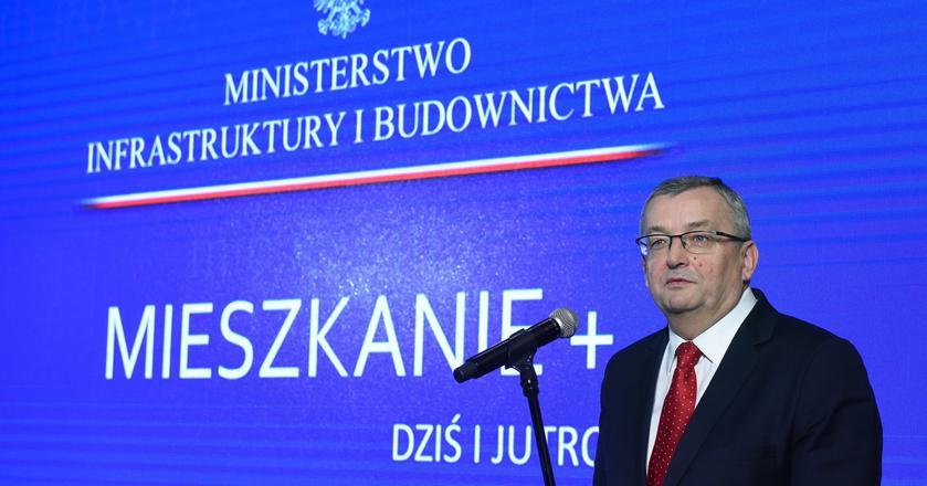 """Minister Andrzej Adamczyk wystąpił na konferencji """"Mieszkanie Plus dziś i jutro"""""""