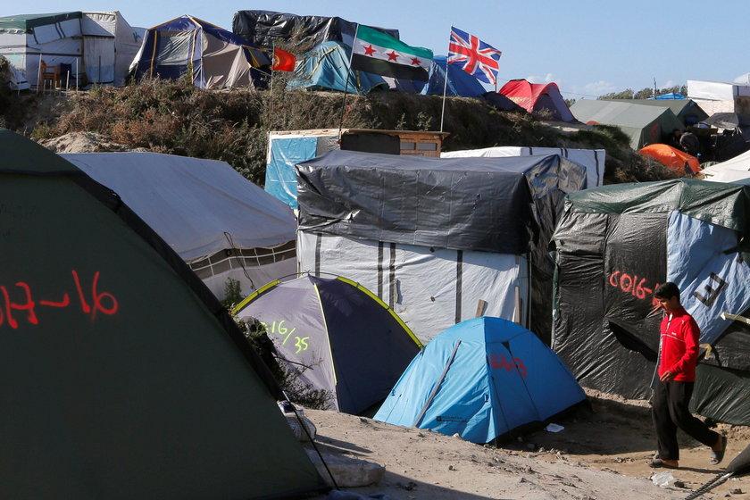 Francja zlikwiduje obóz w Calais