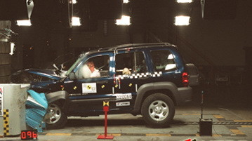 Jeep Cherokee KJ (2001-08) - crash test