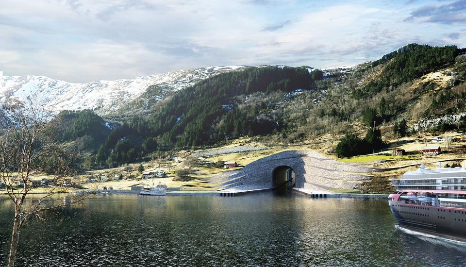 Wydrążony w górze kanał będzie mieć 1,7 km długości
