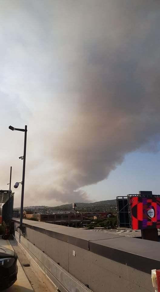 Athén közelében is tombolt a tűz. Ildikó az autóból figyelte a pusztítást