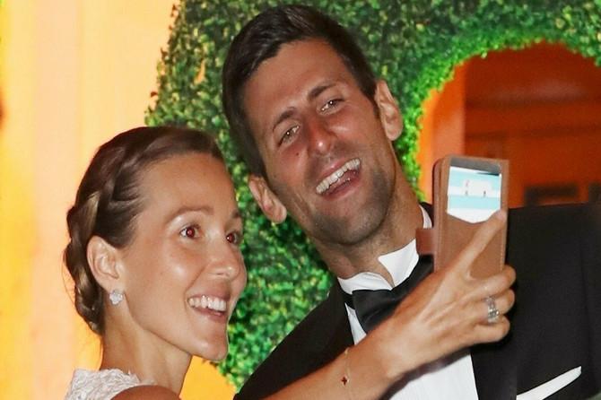 Ovako su Jelena i Novak slavili TRIJUMF: Ovo su njihovi POBEDNIČKI STAJLINZI- DOPAŠĆE VAM SE