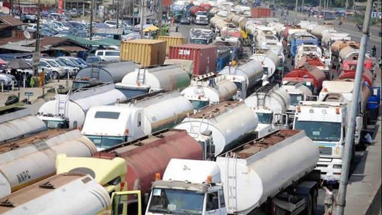 Traffic gridlock in Apapa on a normal day  [Premiumtimesng]